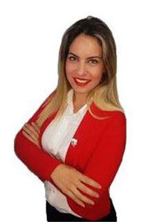 Andrea Acosta - RE/MAX FORCE