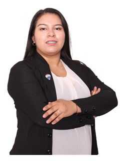 Paola Esquivel - RE/MAX PREMIER
