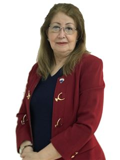 Elvira Chaparro - RE/MAX ROYAL