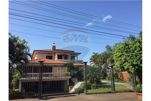 Encarnación, Itapúa - Venta - 800,000 USD