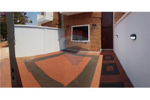Duplex - De Vanzare - Paraguay Central Luque - 26 - 143008120-38