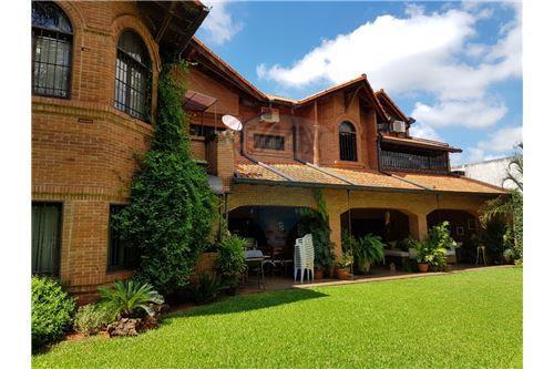 Luque, Central - Venta - 1,550,000 USD
