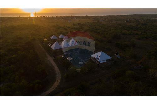 Lodge - For Sale - Coast - 24 - 115015006-8