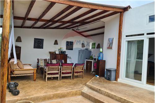 House - For Sale - Zanzibar - LivingRoom/DiningRoom - 115006019-83