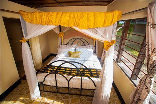 Lodge - For Sale - Coast - 14 - 115015006-8