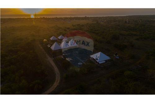 Lodge - For Sale - Coast - 25 - 115015006-8