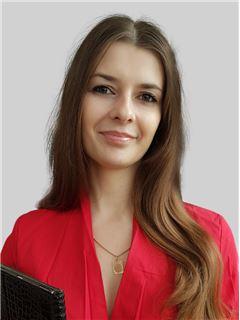Ірина Ульянова (Агент з нерухомості) - RE/MAX Central