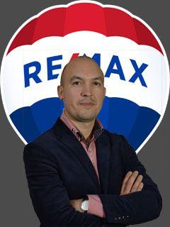 Сергій Білоус (Агент з нерухомості) - RE/MAX Star