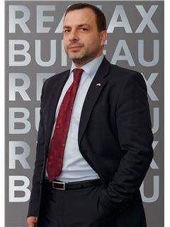 Broker/Owner - Юрій Самелюк (Брокер) - RE/MAX Bureau