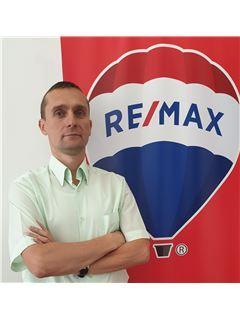 Broker/Owner - Олесь Сірий (Брокер) - RE/MAX Invest
