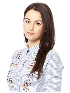 Yulia Fareniuk (Sales Associate) - RE/MAX Elite and Commercial group