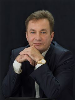 Oleksandr Yaroslavtsev (Team Leader) - RE/MAX Elite and Commercial group