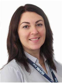 Elena Zubenko (Sales Specialist) - RE/MAX Star