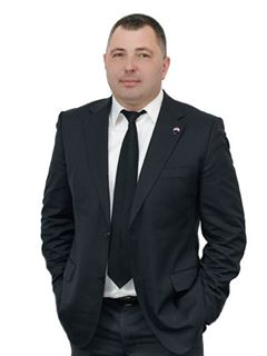 Volodymyr Ivanenko (Sales Associate) - RE/MAX Pro