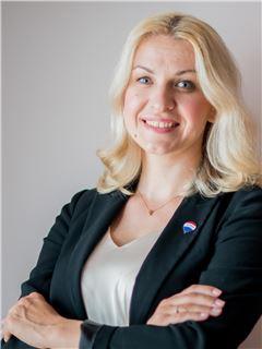 Христина Федишин (Агент з нерухомості) - RE/MAX Exclusive