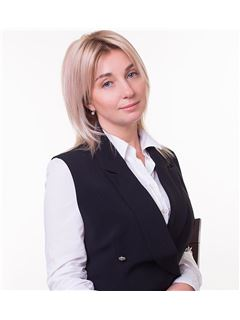 Marina Bondarenko(Sales Associate) - RE/MAX Elite and Commercial group
