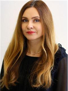 Ніна Папоротна (Агент з нерухомості) - RE/MAX Capital