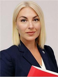 Олена Зубенко (Агент з нерухомості) - RE/MAX Central