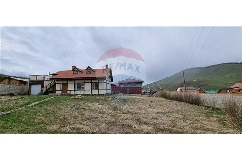 residential House/Detached House for sale зар #: 10123 1