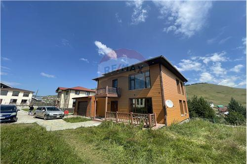 residential House/Detached House for sale зар #: 4175 1