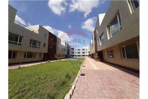 residential House/Detached House for sale зар #: 10447 1