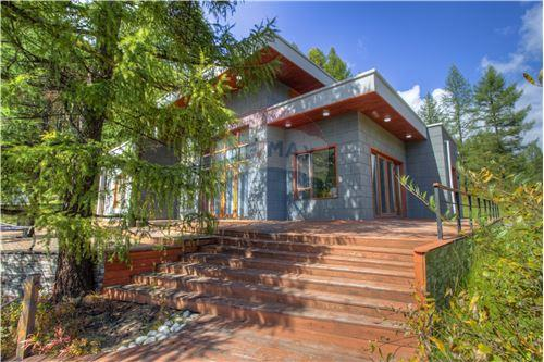 residential House/Detached House for sale зар #: 3391 1