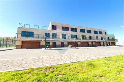 residential House/Detached House for sale зар #: 10127 1