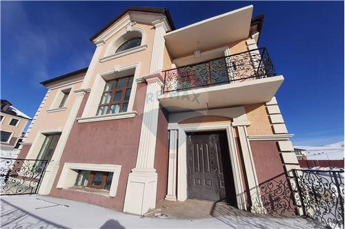 residential House/Detached House for sale зар #: 3676 1