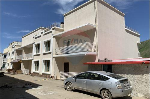 residential House/Detached House for sale зар #: 3631 1
