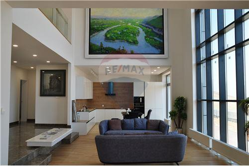 residential House/Detached House for sale зар #: 10201 1