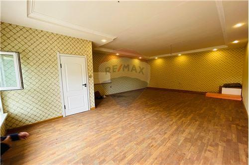 residential House/Detached House for sale зар #: 10566 1