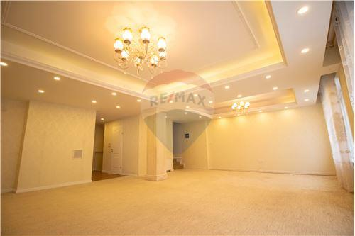 residential House/Detached House for sale зар #: 10100 1