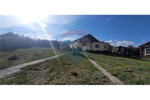 residential House/Detached House for sale зар #: 10359 1