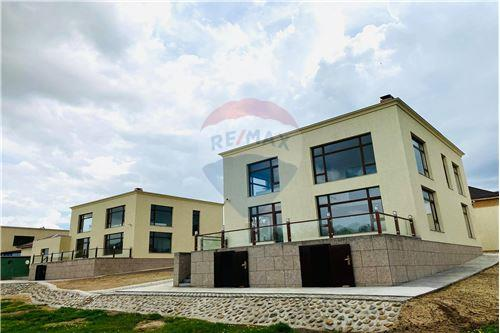 residential House/Detached House for sale зар #: 3726 1