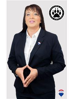 Claudia Detesan - RE/MAX - Alcateia