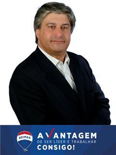 Adelino Almeida - RE/MAX - Vantagem Gaya