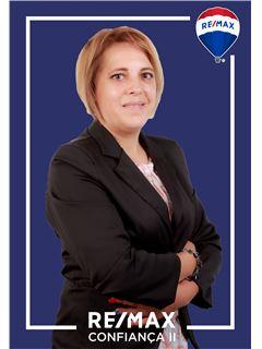 Fátima Mouroa - Membro de Equipa Fernanda Lourenço - RE/MAX - Confiança II