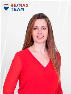 Mariana Tinelo - Gestora de Clientes - RE/MAX - Team III