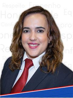 Carla Crespo - Membro de Equipa Helder Esteves e José Santarém - RE/MAX - Ideias
