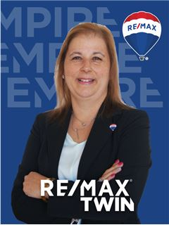 Office Staff - Alexandra Macedo - RE/MAX - Twin