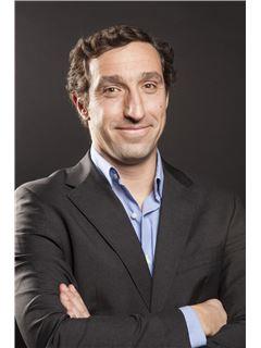 Broker/Owner - Pedro Alvares - RE/MAX - Smart In