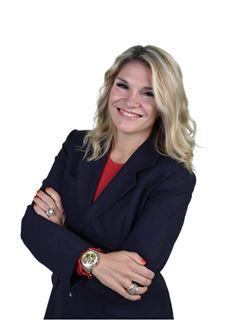 Associate in Training - Regina Alves - RE/MAX - Expo