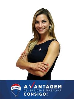 Stefanie Stevens - RE/MAX - Vantagem Central