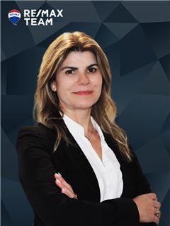 Orlanda Pinto - RE/MAX - Team