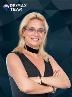 Elisabete Andrade - RE/MAX - Team