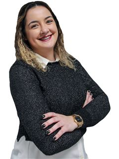 Office Staff - Mariana Rodrigues - RE/MAX - United II