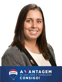 Office Staff - Rita Real - RE/MAX - Vantagem Campus