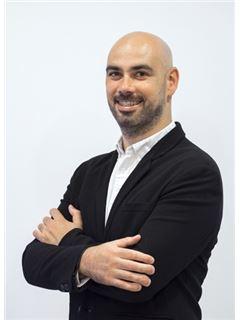Daniel Avelar - Membro de Equipa Rodrigo Bento - RE/MAX - EsoReal Estate