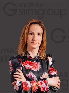 Office Staff - Sofia Dias - RE/MAX - Capital