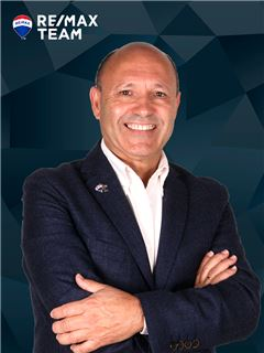 Américo Costa - RE/MAX - Team